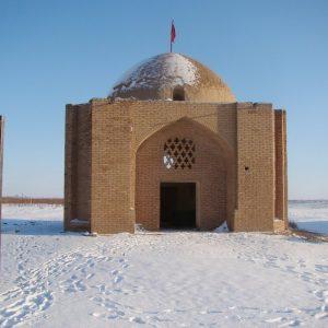 گنبد کوچک آجری مهرآباد